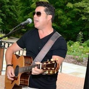 Lenny Hickey - Singing Guitarist / Wedding Singer in Cincinnati, Ohio