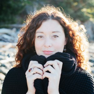 Lindsay May - Singing Guitarist / Acoustic Band in Kamloops, British Columbia