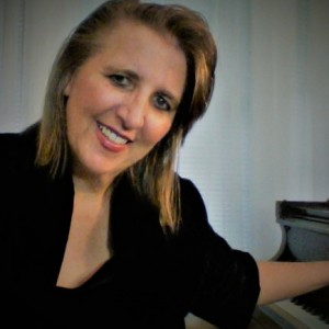 Lisa Erhard (Keyboard, Organ, Piano, Vocals)
