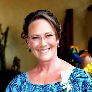 Lisa Porter - Wedding Singer / Wedding Officiant in Maui, Hawaii