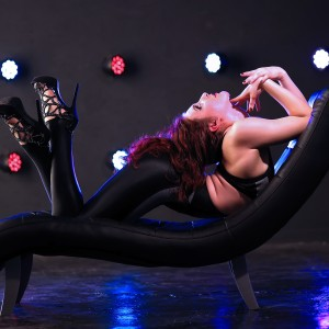 Lisbeth Mikoleit - Contortionist in Portland, Oregon