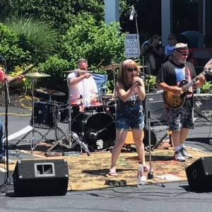little RED - Cover Band / Party Band in Billerica, Massachusetts