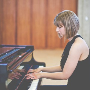 Liz Craig - Pianist / Wedding Singer in Toronto, Ontario