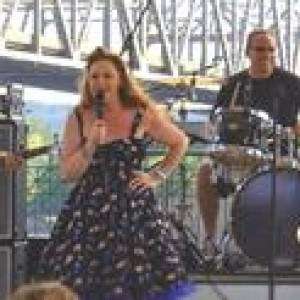 Lizzi Neal - Blues Band / Cover Band in Compton, Illinois