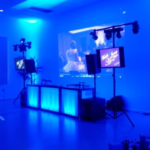 LoKey DJ Entertainment,  LLC - Wedding DJ in Tucson, Arizona