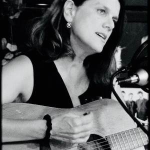 Lori Dreier - Singing Guitarist / Crooner in Fort Worth, Texas