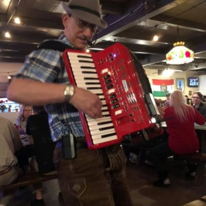 Larry Roberts Entertainment - Accordion Player / Interactive Performer in Scottsdale, Arizona