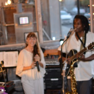 Lucia, Levi and the Little Zippers - Cover Band in Florence, South Carolina