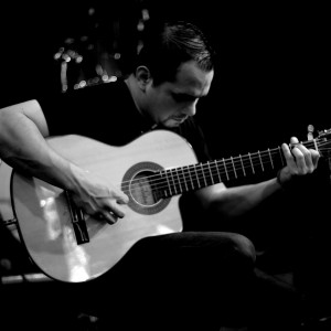 Luis Banuelos - Classical Guitarist in Austin, Texas