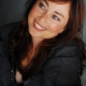 Lynette Louise - Comedian / Storyteller in Simi Valley, California