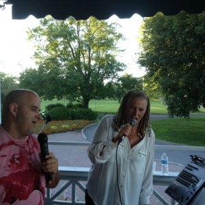 Lynn - Wedding Singer / Wedding Musicians in Gatineau, Quebec
