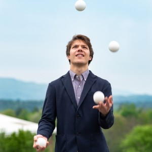 Lyttle Hand - Juggler / Corporate Event Entertainment in Brattleboro, Vermont