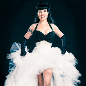 Madeline Sinclaire - Burlesque Entertainment in Los Angeles, California
