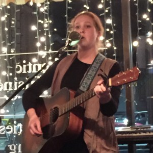 Maeve Reed - Singing Guitarist in Rochester, New York