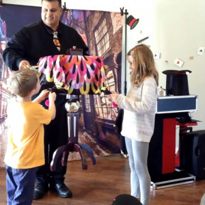 Carlos Vaz - Children's Party Magician / Halloween Party Entertainment in Austin, Texas