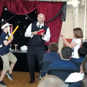 Magic of Patrick Wallace - Children's Party Magician in Shakopee, Minnesota