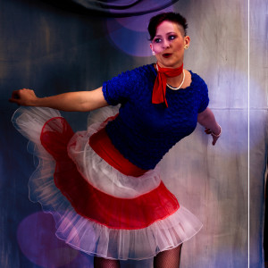 Erin Riley - Juggler / Cabaret Entertainment in Charlottesville, Virginia