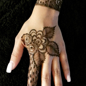 Makeup and Henna by Sonal - Henna Tattoo Artist in Collierville, Tennessee