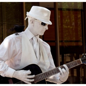 Man In White Entertainment - Human Statue in San Diego, California