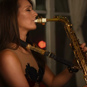 Mandy Faddis | Saxophone & Woodwind Performance - Saxophone Player in Los Angeles, California
