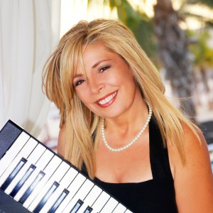 Marcie Castro - Singing Pianist in New York City, New York