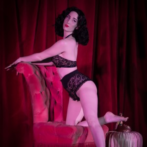 Margaux Royale - Burlesque Entertainment in Naples, Florida