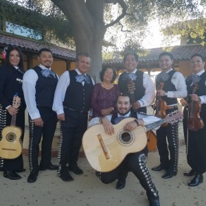 Mariachi Tesoro de Leonardo - Mariachi Band in Stockton, California