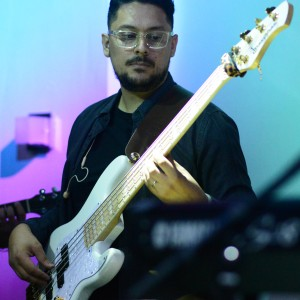 Mario Peña - Bassist in Miami, Florida