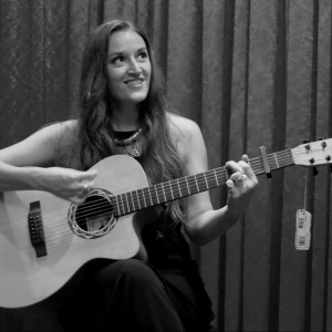 Marissa Hollenback - Singing Guitarist in Hollywood, California