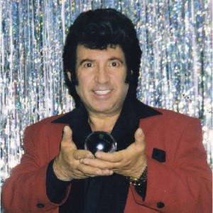 Mario Manzini - Magician / Elvis Impersonator in Columbia, Missouri