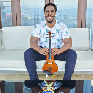 Marvill The Violinist - Violinist / Street Performer in Hyattsville, Maryland