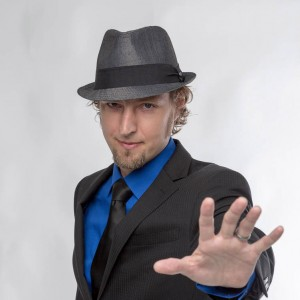 Matthew Mayavi, Mind Reader - Mentalist / Strolling/Close-up Magician in Grass Valley, California