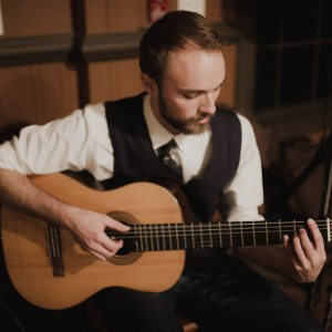 Max Cobb Music - Classical Guitarist in Seattle, Washington