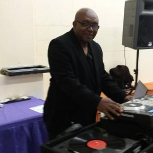 Maximum Vibe International: Featuring DJ Max