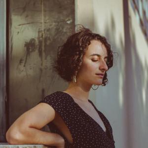 Maya Elise - Singing Guitarist / Folk Singer in Berkeley, California