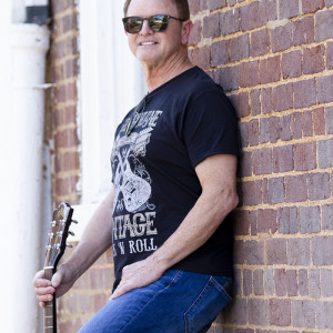 Jim Warrick - Singing Guitarist / Guitarist in Morristown, Tennessee