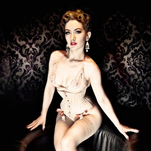 Medianoche - Burlesque Entertainment in Brooklyn, New York