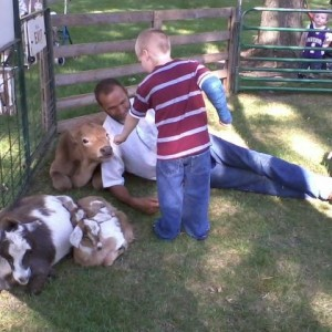 Meyer Petting Zoo - Petting Zoo / Children's Party Entertainment in Holstein, Iowa