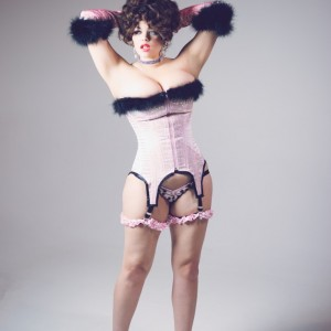 Mika Romantic - Burlesque Entertainment / Cabaret Entertainment in Philadelphia, Pennsylvania