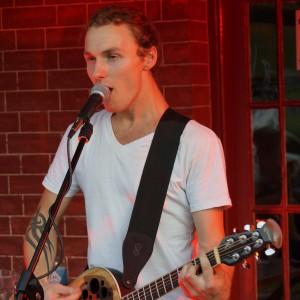 Mike Valha - Singing Guitarist in New York City, New York