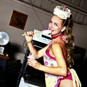 Minnie Cupcakes - Cabaret Entertainment in Oakland, California