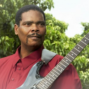 Mochi Freeman - Singing Guitarist in Honolulu, Hawaii