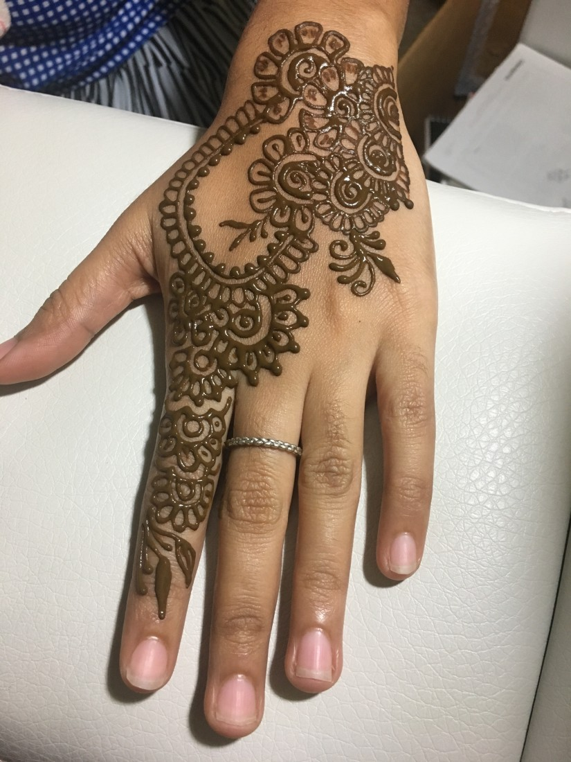 Traditional Henna Tattoo: Hire Modern And Traditional Henna