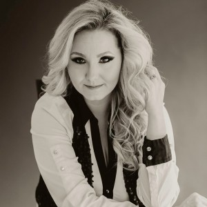 Morgan White - Country Singer / Country Band in Charleston, West Virginia