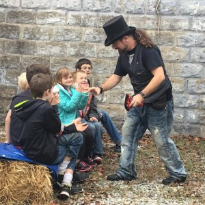 Morley Family Magic - Children's Party Magician / Halloween Party Entertainment in Batesville, Arkansas