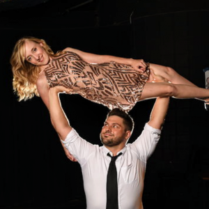 David & Hannah - Circus Acrobatic Duo (and Production) - Circus Entertainment / Corporate Magician in Chicago, Illinois