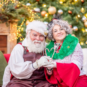 Mr. and Mrs Kringle - Santa Claus / Mrs. Claus in Lumberton, New Jersey