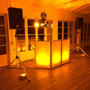 Music Express Hawaii - Mobile DJ / Outdoor Party Entertainment in Honolulu, Hawaii