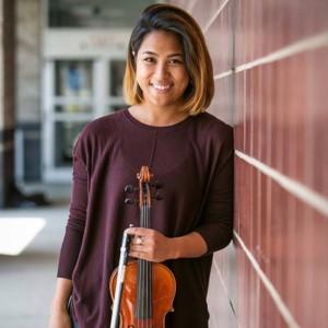Maria Vinas - Violinist / Strolling Violinist in Cleveland, Ohio
