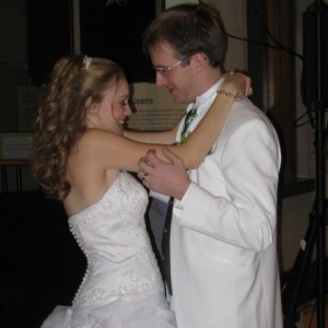 Musik Masters Mobile DJ - Wedding DJ / Wedding Musicians in Lorain, Ohio